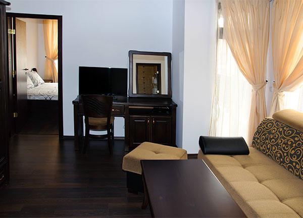 Апартамент в трета къща за гости