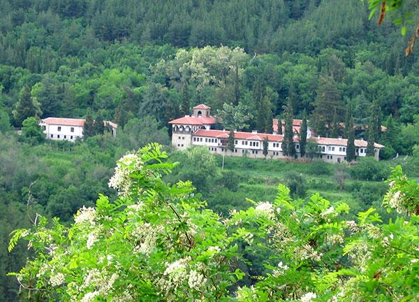 Мъглижкия манастир - панорама
